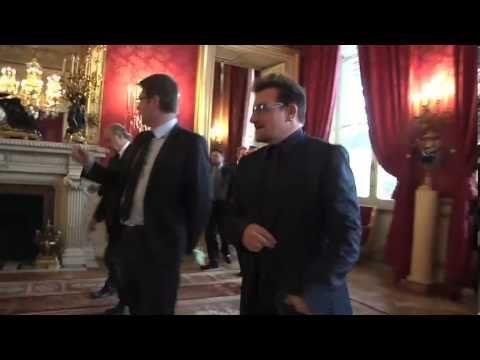 Politique - 121010 Entretien de Laurent Fabius et Pascal Canfin avec Bono co fondateur de One et Bill Gates co fondateur de la Fondation Bill e - http://pouvoirpolitique.com/121010-entretien-de-laurent-fabius-et-pascal-canfin-avec-bono-co-fondateur-de-one-et-bill-gates-co-fondateur-de-la-fondation-bill-e/