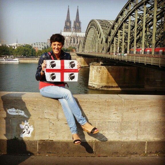 La bandiera sarda sventola a Colonia in Germania...