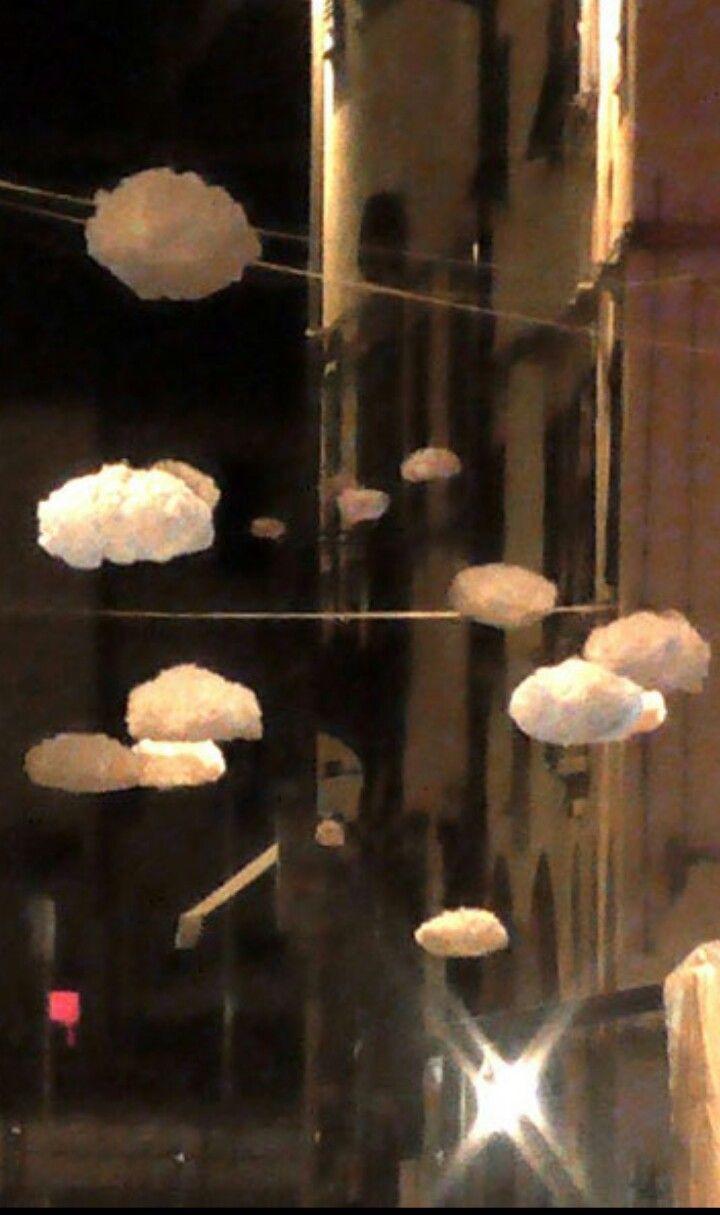Clouds LYRIC istallazione aerea ambientale in retexincsta e TNT