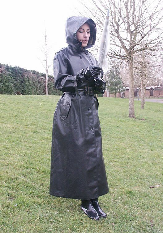 A long hood SBR Mackintosh | Rubber Rainwear
