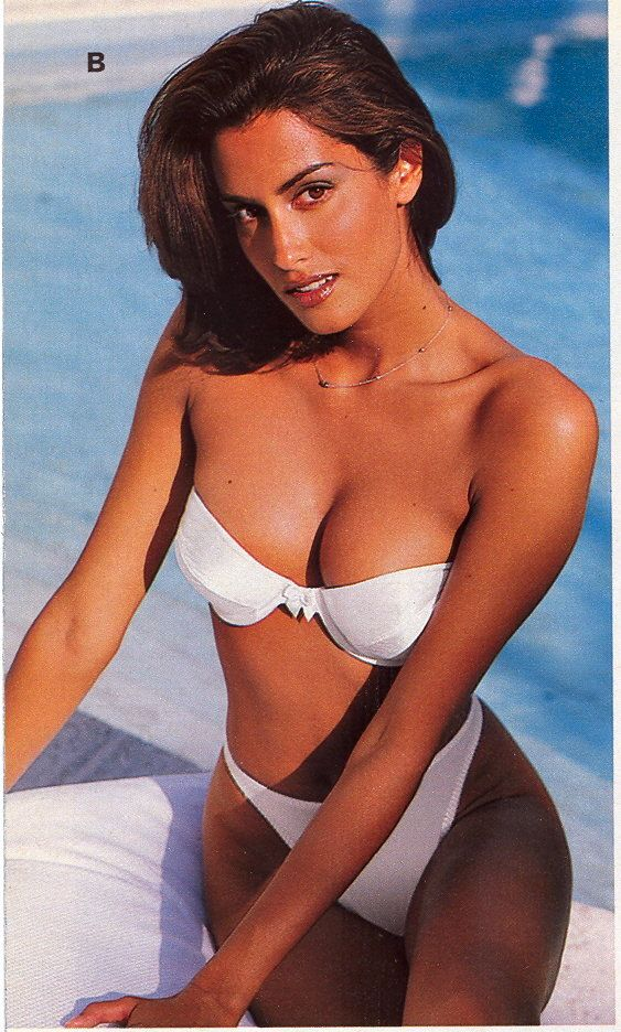 Victoria's Secret Spring 1998 Model: Yasmeen Ghauri ...