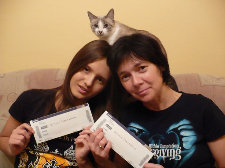 #WTworldtour Within Temptation's gig with my mum! (and cat - joke) See you in Poland, Warsaw next year. We can't wait!