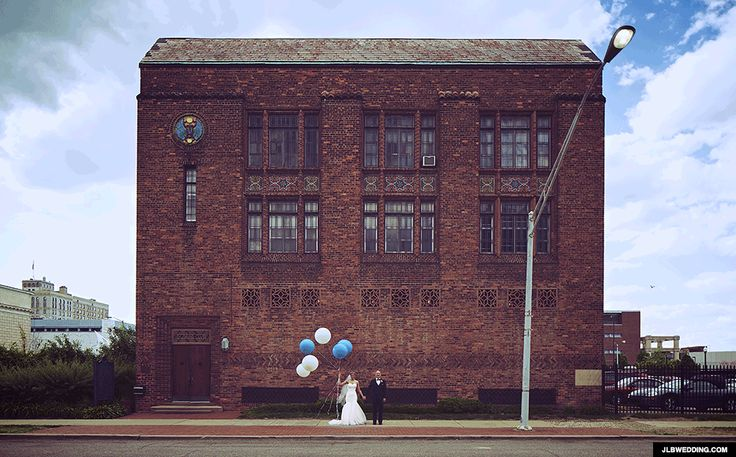 Made Us Look: This Photographer Has Perfected the Wedding GIF via Brit + Co.
