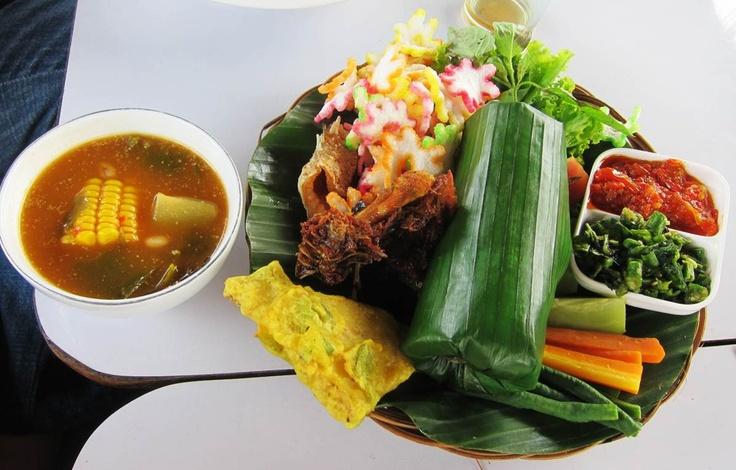 complete Nasi Timbel at Sundanese resto Bumi Nini, Puncak