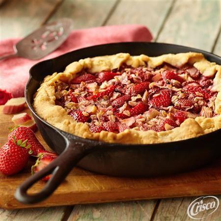 Strawberry Rhubarb Skillet Pie from Crisco®
