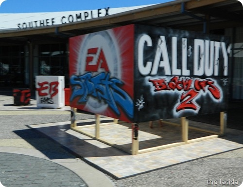 EA Sports & Call Of Duty Black Ops 2 Graffiti - Video Game Street Art