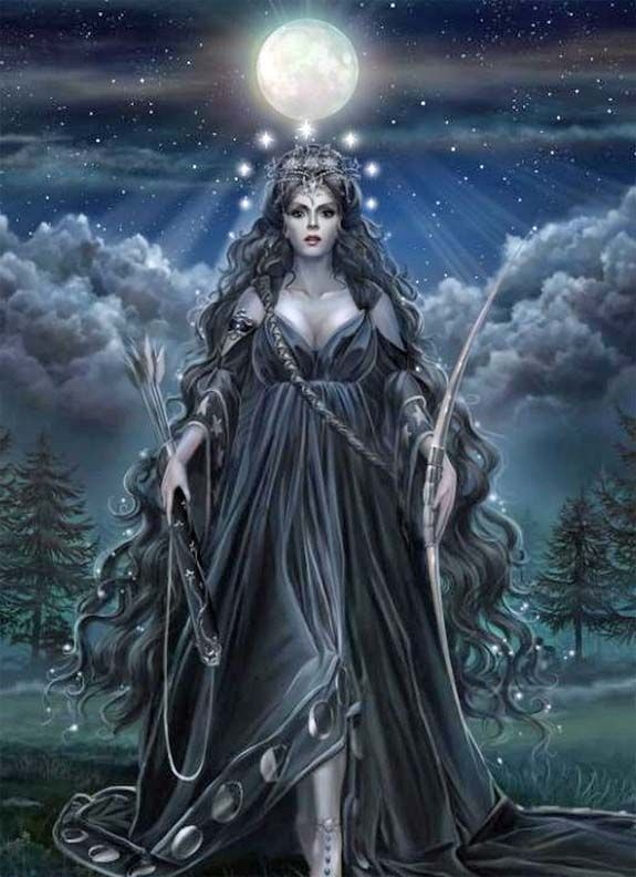 """An Morrígan is a goddess of battle and sovereignty, sometimes appearing in the form of raven or wolf. She is a triple goddess, a fierce aspect of the Great Mother, often serving as a guide to those moving through difficult transition. One who is protected by 'the Morrigan' is certain of victory."" ~ http://www.chaliceofwisdom.com- Pinned by The Mystic's Emporium on Etsy"