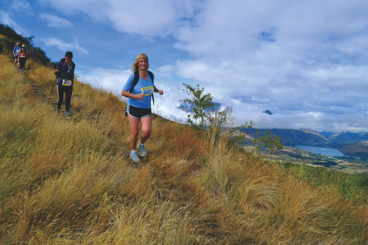 Running the Motatapu Miners Trail – Lorraine Thomson takes up the famous Motatapu off-road sporting challenge in Arrowtown – NZF June/July 2014