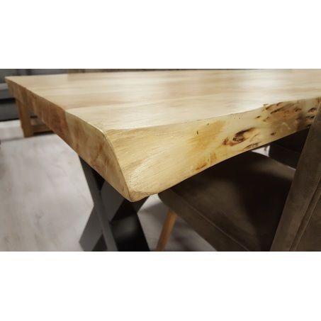 Een unieke tafel voor een lage prijs! Volg de natuurlijke welving van het acaciahout bij deze tafel Edge. Ieder boomstamblad is uniek. De robuuste tafel met metalen poot straalt stijl en sfeer uit! Bekijk de Edge bij van de Pol Meubelen!