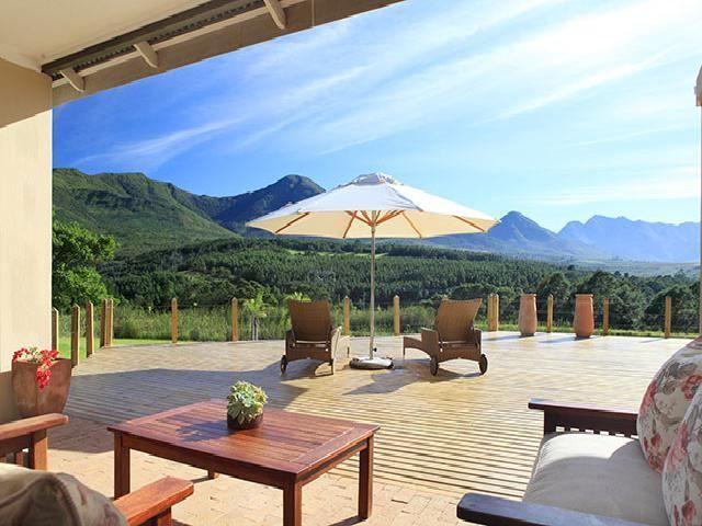 Groeneweidefarm House - Groeneweidefarm House is nestled in the heart of the 100 hectare guest farm is a tastefully upmarket, yet a provincial-styled homestead with a 180-degree area view.  Comfortably accommodating a company ... #weekendgetaways #george #southafrica