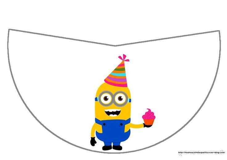 ..Chapeau anniversaire Minion et gâteau smarties ..