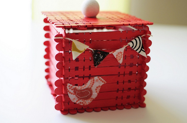 Instructions to make these super cute Valentine's Day boxes with popsicle sticks!