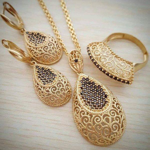 Pin By Nevin Bozkurt On Altin Kolyeler Gold Jewelry Fashion Gold Necklace Designs Ruby Jewelry Necklaces