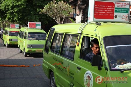 Pengumpan Trans Sarbagita di Badung Dikurangi - http://denpostnews.com/2017/12/13/pengumpan-trans-sarbagita-di-badung-dikurangi/