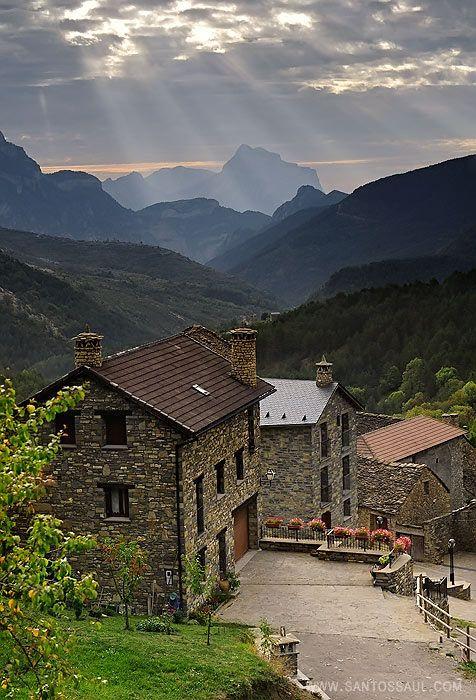 Pirineos, Fanlo, Parque Nacional de Ordesa by Saul Santos Diaz - photographer