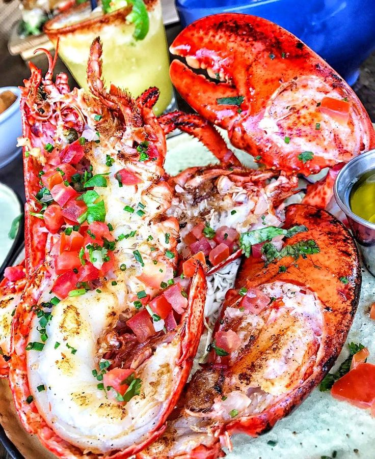 A pound and a half of succulent mouthwatering herb-butter basted Maine Lobster and a handful of ice cold margaritas. Enough said. Drops mic.  Courtesy: @playaamor   @surfnoturf  #myfoodeatsyourfood #chef #grill #grilling #bbq #barbecue #burgers #fries #lobster #crabs #seafood #lunch #prime #meat #carnivore #f52grams #feast #instagood #foodstagram #foodgasm #foodpics #foodporn #sexy #photooftheday #feedme #getinmybelly #beautifulcuisines #firemakeseverythingbetter