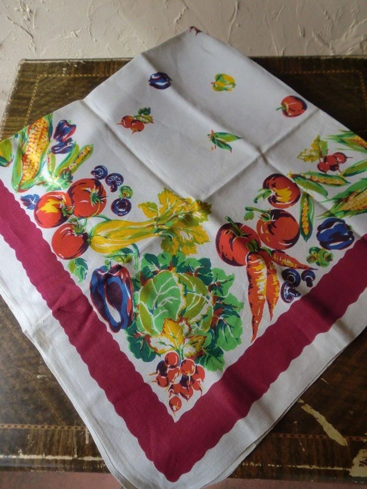 VINTAGE 40s 50s COLORFUL VEGETABLE PRINT LINEN TABLECLOTH 52 X 50 EUC
