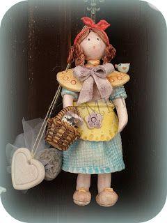 Bambole, dolls, muñeca  Completamente realizzate a mano le bambole in ceramica.. per grandi e piccine.. come bomboniere per eventi speciali ...