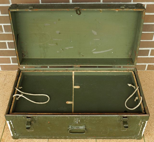 1946 US Military Army Footlocker Miller Mfg. Trunk  RD10004  Go back to Tin Can Alley - FOR SALE: http://www.bagtheweb.com/b/PBdAfQ