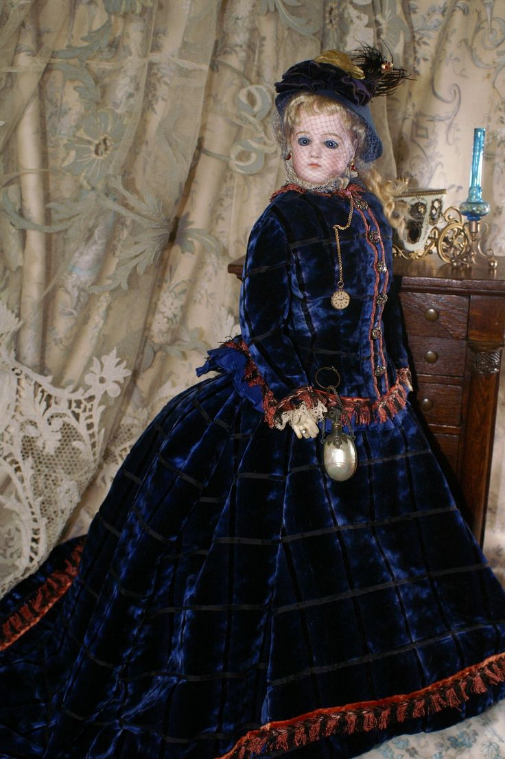 "Gorgeous 23"" Portrait Fashion Poupee by Jumeau from bebesatticfinds on Ruby Lane"