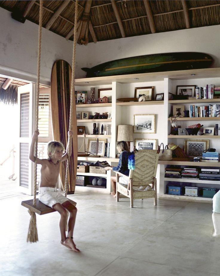 Alle houten meubels zijn gemaakt door een lokale Mexicaanse timmerman