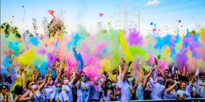 Holi Festival 2017 The Festival of Colours Love Story SMS