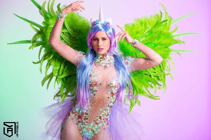 Custom made Unicorn Danseres! Past perfect in stage entertainment en fantasy thema events. Unicorn danseres, Magical entertainment, Showpony, Rainbow girl, Dreamfields, Magisch, Fantasy promotie, Fantasy Themes
