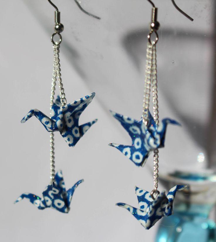 Boucles d'oreilles Origami Grues en papier japonais : Boucles d'oreille par paper-art