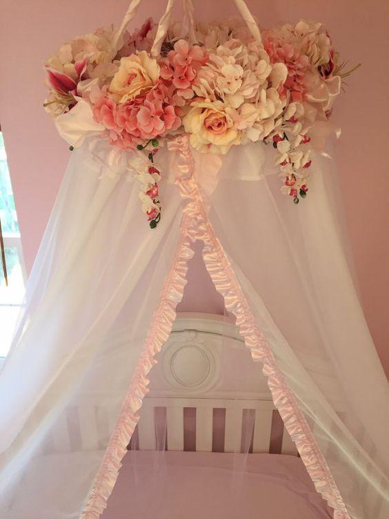 Dosel de cuna Baby Floral hecho a mano por BabyVioletBoutique: