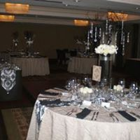 Crystal Tree Centerpiece  Hotel 1000 Seattle email: blossomdrive@ivorylily.com