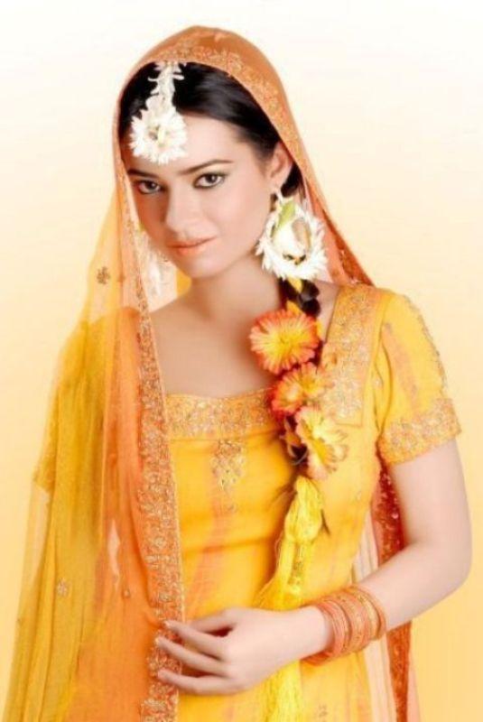 Pakistani Mehndi Dresses for Women