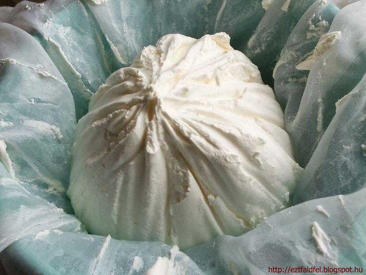 """Ezt fald fel!: Házi krémsajt - """"mascarpone"""" házilag készítve I.  1 vödrös (850g) tejföl lecsepegtetve"""