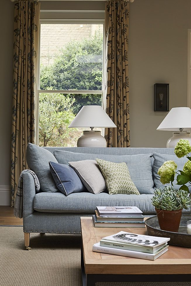 Sitting Room designed by Sims Hilditch for Malvern Family Home. ©