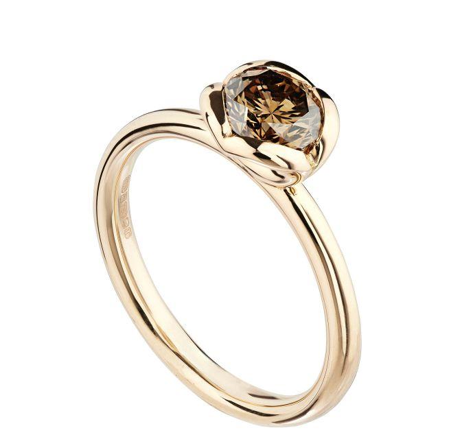 Coeur brown diamond solitaire