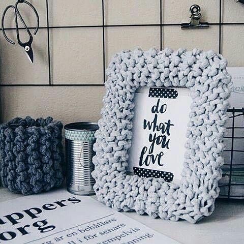 WEBSTA @ radugayarn - Замечательная идеяС трикотажной пряжей многие привычные вещи становятся уютнее❤️❤️❤️Цвета: серый меланж и антрацит меланж. Опт уже от 5 мотковФото нашла в Pinterest❤️#трикотажнаяпряжа #пряжарадуга #ленточнаяпряжа #толстаяпряжа #тпряжа #екатеринбург #вязание #knitting #пряжавналичии