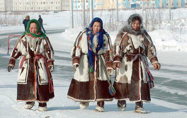 Šamanismus dříve prostupoval jejich kulturou, pak byly vazby zpřetrhány. Nyní se k němu Něnci začínají vracet.