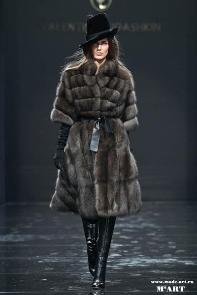 Меховые пальто от юдашкина