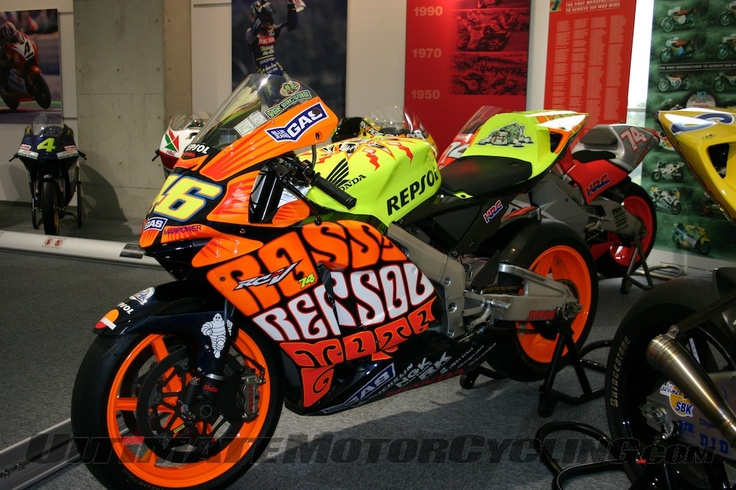 Rossi's 2003 Championship winning 990cc RC211V that took 15 wins out of 16 races.