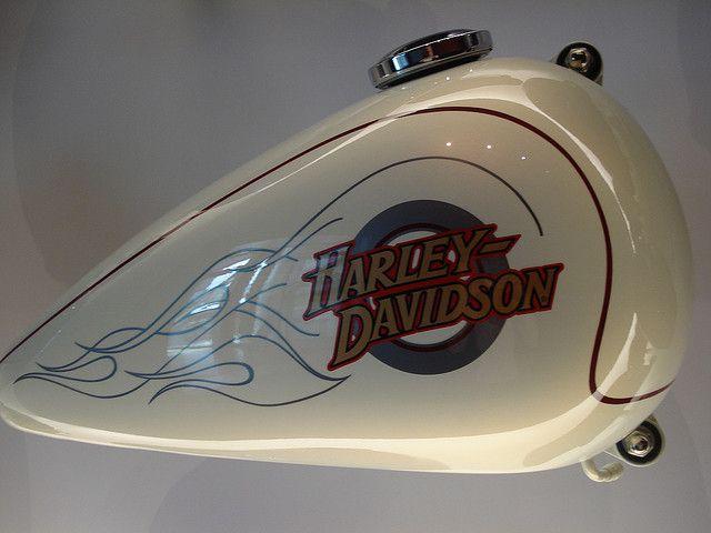 Harley-Davidson Tank Graphic [6] by angetank, via Flickr