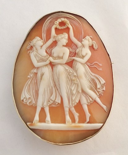 ANTIQUE SHELL CAMEO 9K GOLD BROOCH of the 3 Graces.