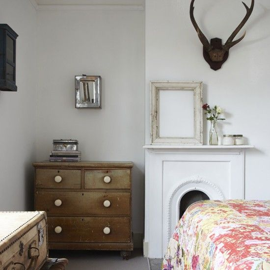 Main bedroom | Vintage style | Victorian terraced house | PHOTO GALLERY | Ideal Home | Housetohome
