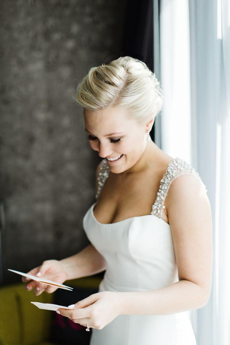 Traditional Tribeca Skyline Wedding Bride Pictureswedding Dress