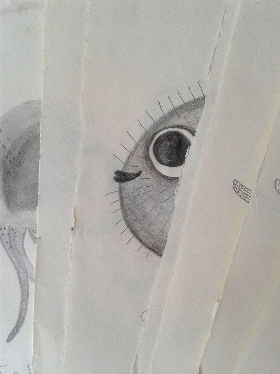 Ce dessin original est le croquis préparatoire à ma peinture  La Baleine Bleue que vous pouvez retrouver dans ma boutique ici:  https://www.etsy.com/fr/listing/483389107/baleine-bleue?ref=shop_home_active_49  Ce croquis à été réalisé avec une mine graphite sur un joli papier léger couleur crème (je possède une collection de vieux papiers chinés au grès de mes expeditions)  Le dessin est titré et signé.  Soigneusement et solidement emballé. Il y a aussi une p...