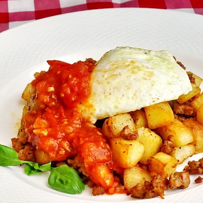 Italian Sausage Hash with Quick Tomato Compote - one hearty, flavorful and very tempting weekend brunch.