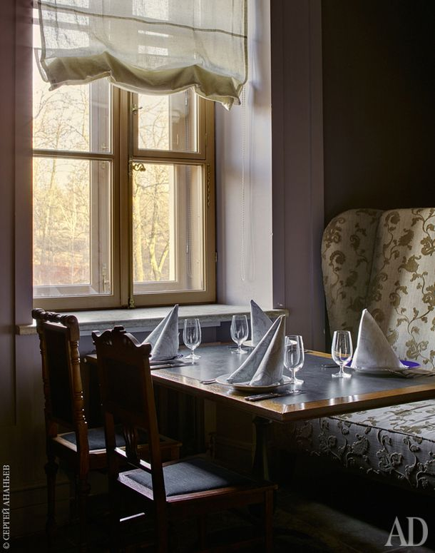 Фрагмент так называемого Каминного зала ресторана.