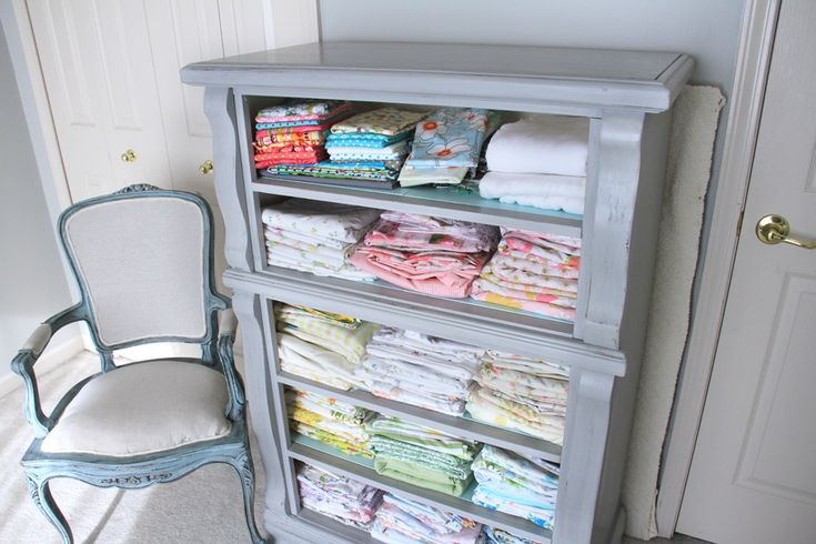 Dated dresser turned fabric storage.  Brilliant!: Fabrics Storage, Dressers Drawers, Fabric Storage, Crafts Rooms, Old Dressers, Storage Ideas, Home Offices, Rooms Organizations, Craft Rooms