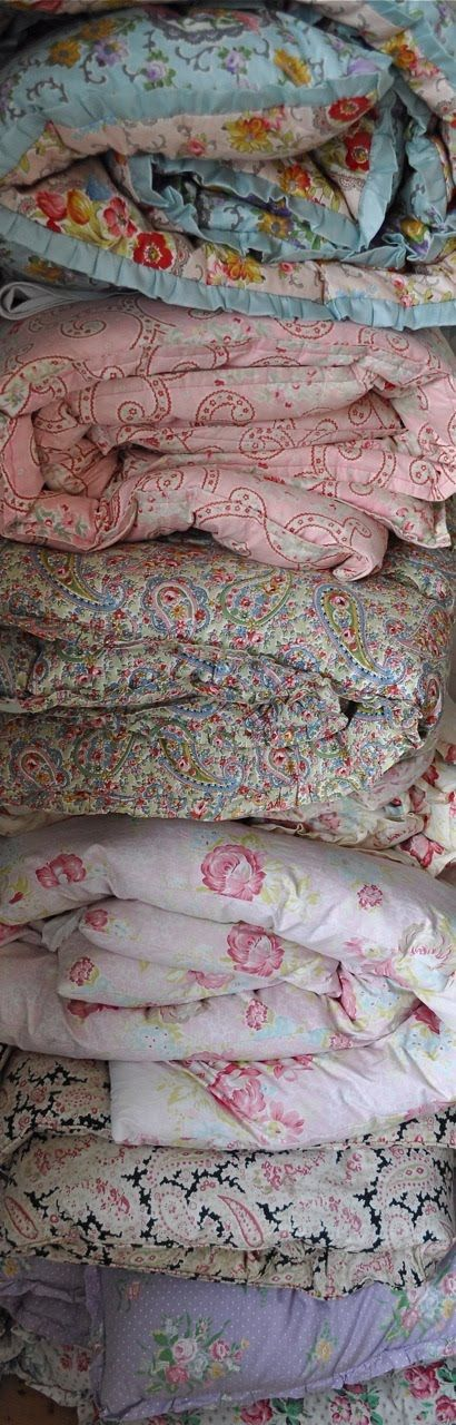29 best *Love* eiderdowns images on Pinterest | Artists, Blankets ... : old fashioned quilted eiderdowns - Adamdwight.com