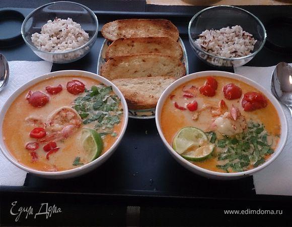 Азия, Азия... Далекая, загадочная, вкусная. Вот и решили с любимой в праздники себя побаловать такой вкуснятиной, как тайский суп «Том Ям» с креветками. Конечно, это что-то. Смешение вкусов — остро...
