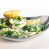 Recept - Aardappelsalade met ansjovisdressing - Allerhande