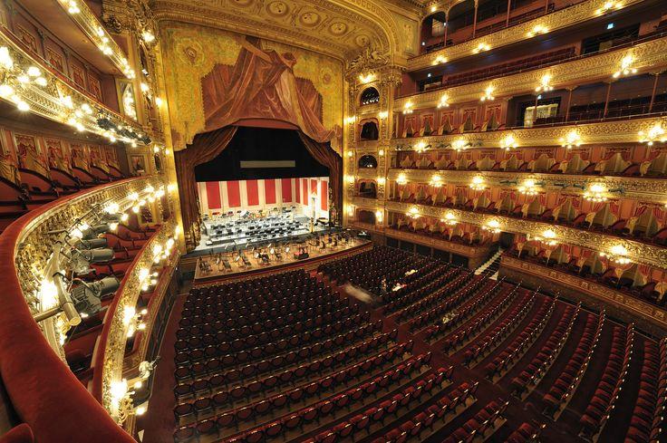 Theatro Colon (Colon Theater)